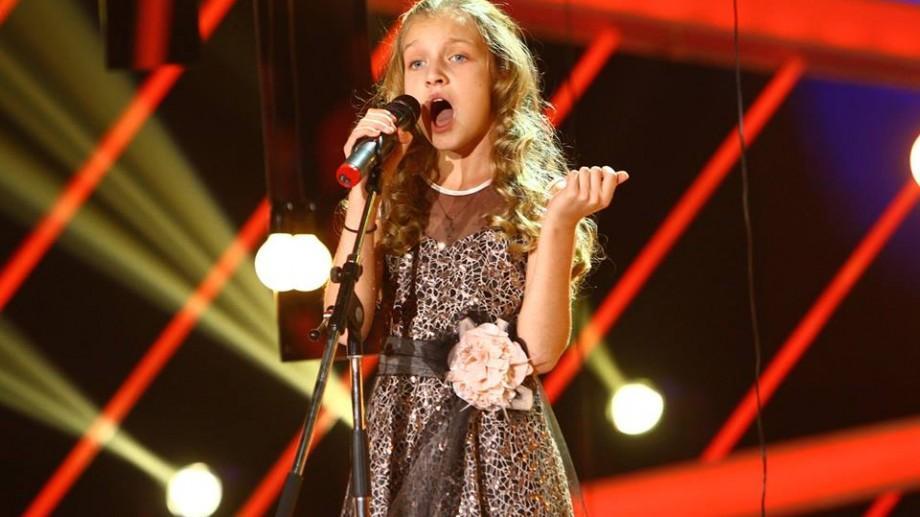 """(video) Cosmina Cotoros, """"mica Adele"""" de la Chișinău, a reușit să impresioneze juriul """"Next Star"""" România"""
