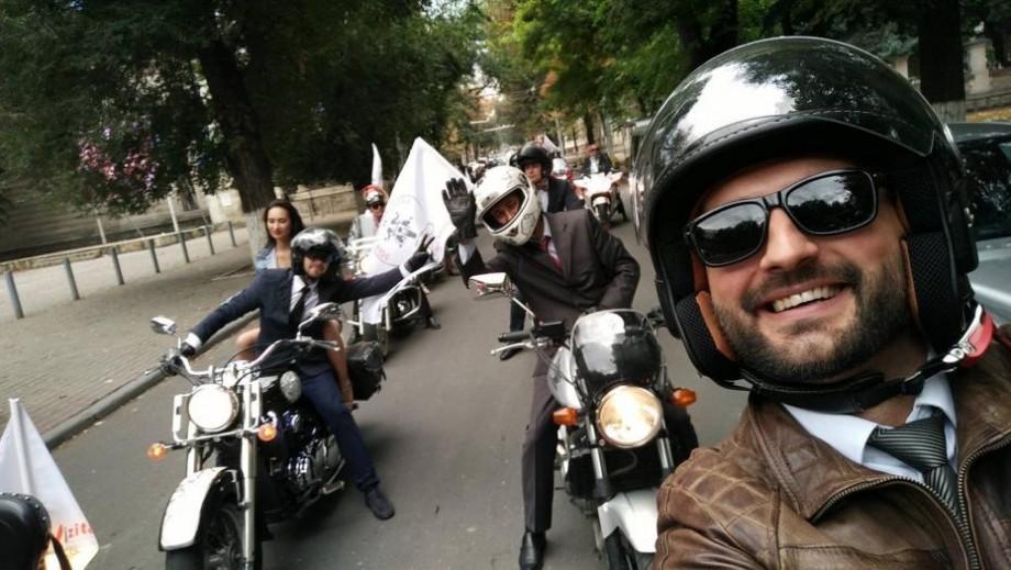 (foto) Un tânăr din Chișinău vrea să cucerească lumea pe o motoretă. Plănuiește o călătorie de iarnă în Europa