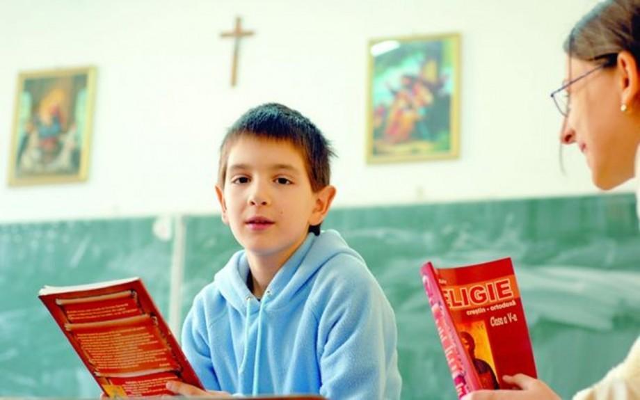 Reacția Ministerului Educației despre locul religiei în școli: Învățământul în Moldova este laic