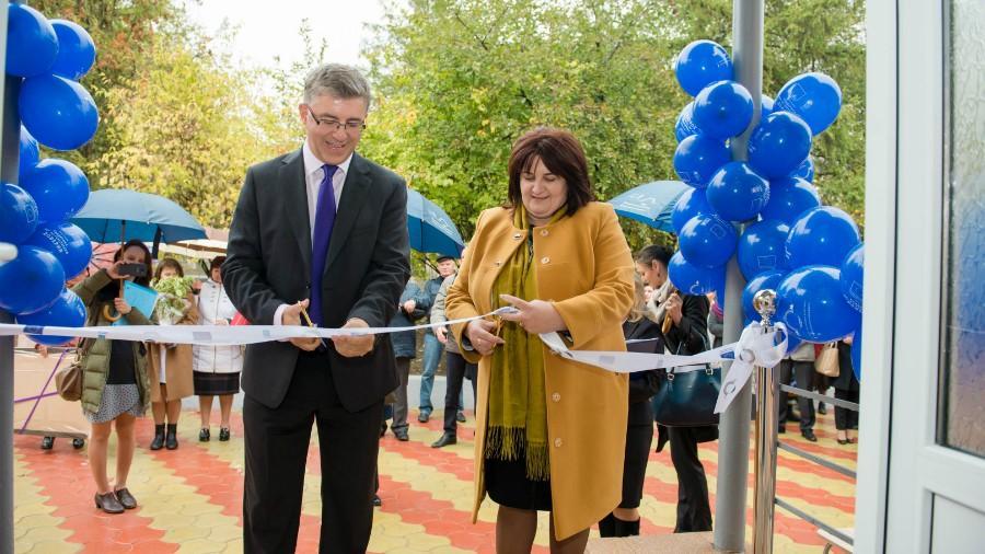 Europa pentru Moldova: La Rezina a fost inaugurată cea mai modernă secție de tratare a bolilor contagioase