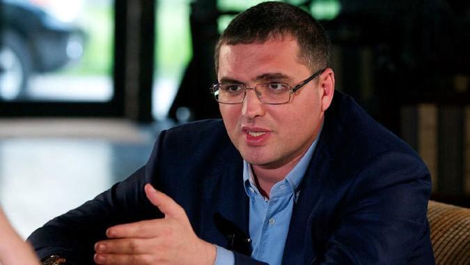 Usatîi susține că pe numele lui Plahotniuc va fi emis un mandat internațional de arest