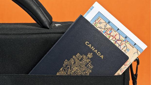 Guvernul român a refuzat oferta Canadei de a ridica vizele în 2018