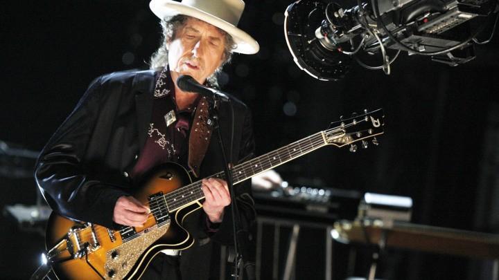(video) Cântăreţul american Bob Dylan a câştigat premiul Nobel pentru literatură pe 2016
