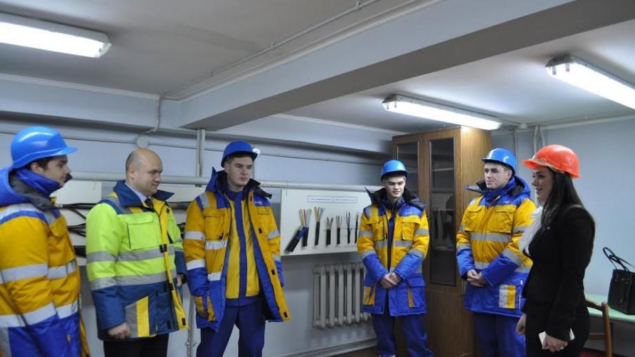(foto) Educație prin practică! 15 elevi din Moldova vor fi instruiți atât la școală cât și la o companie energetică