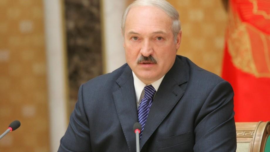 """Timofti i-a oferit """"Ordinul Republicii"""" președintelui Republicii Belarus"""