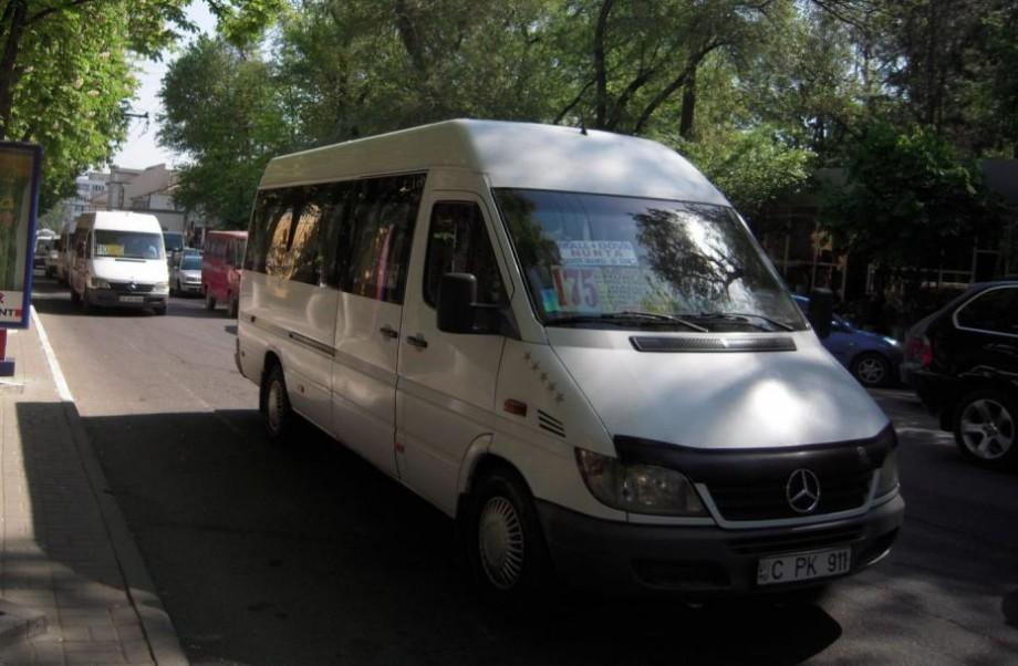 Din 1 noiembrie: Ruta de microbuz 180 se anulează, iar itinerarul rutei 138 se modifică