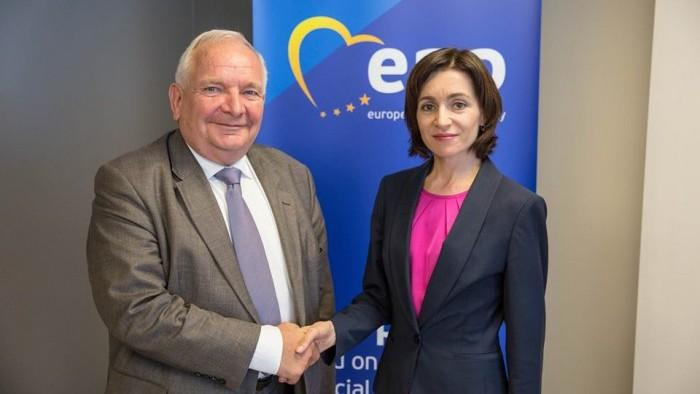 Partidul Popular European o susține pe Maia Sandu la prezidențiale și-i cere lui Iurie Leancă să se retragă din cursă