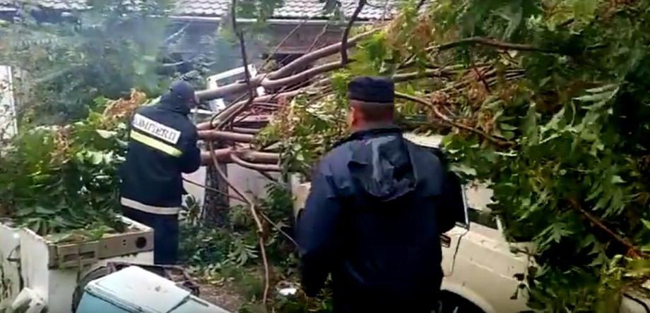 (video) Consecințele ploilor din toată țara. 95 de localități au rămas fără energie electrică