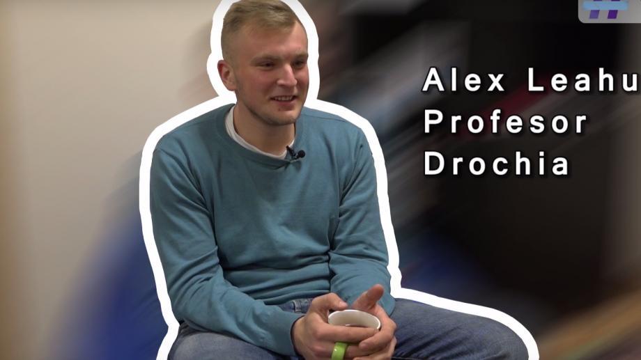 (video) Unde-s tinerii: Alex Leahu de la Drochia, despre cum e să fii profesor de matematică la 23 de ani