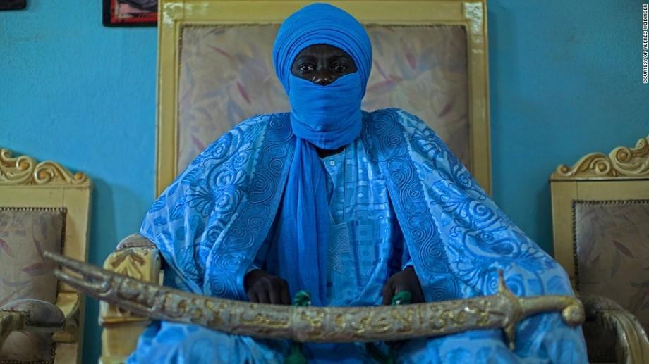 (foto, video) Au zeci de neveste şi sute de copii. Cum arată viața regilor africani