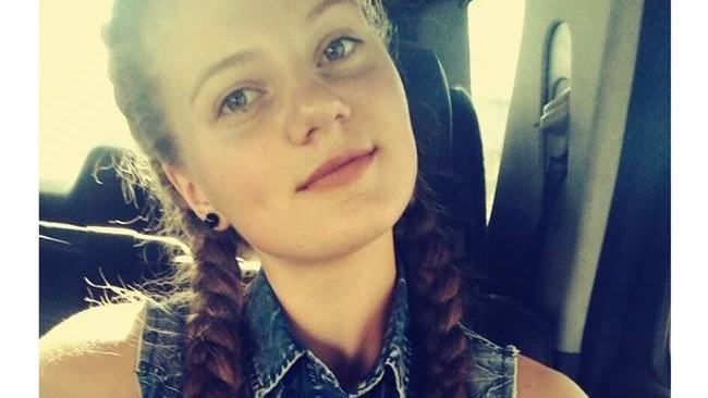 """Alexandra Beregoi, eleva liceului """"Ion Pelivan"""": """"Voluntariatul mă ajută să nu mă infectez de indiferență"""""""