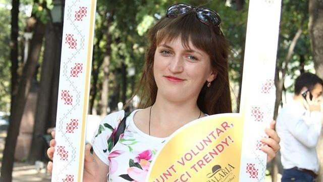 """Dorina Ispir, studentă la FRIȘPA: """"Voluntariatul nu are o definiție teoretică, are o definiție spirituală"""""""