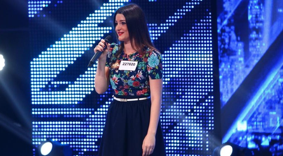 """(video) Adriana Postovan, tânăra care a cântat în duet cu Carla's Dreams la radio, pe scena de la """"X Factor"""""""