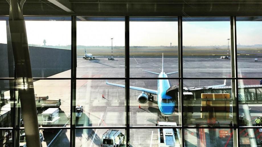 Lista companiilor aeriene care oferă reduceri tentante între Black Friday și Cyber Monday
