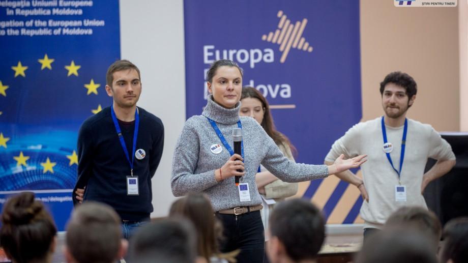 (foto) Europa pentru Moldova: Tinerii ambasadori europeni le-au prezentat elevilor din țară oportunitățile Uniunii Europene