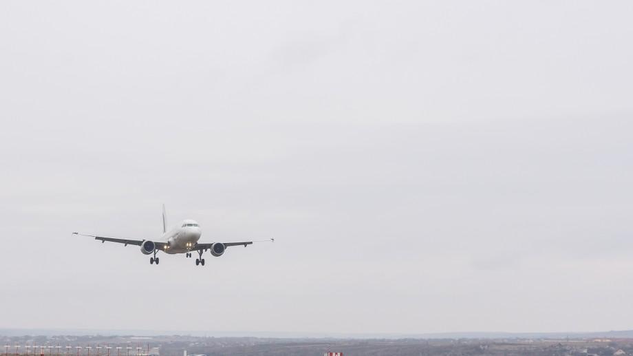 (foto) A fost redeschis primul segment reconstruit al pistei Aeroportului Internaţional Chişinău