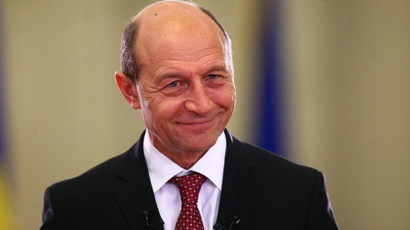 """Reacția lui Băsescu la decretul de retragere a cetățeniei Moldovei: """"Eu sunt unionist și nu am ce-i face lui Dodon"""""""