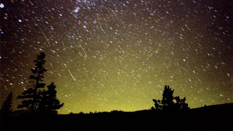 Leonidele: O ploaie spectaculoasă de meteori are loc la noapte. Cum o puteţi vedea