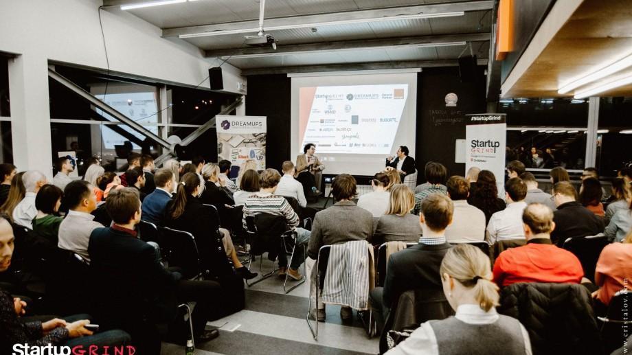 Directorul Mobiasbancă vine să inspire tinerii pasionați de tehnologii și finanțe