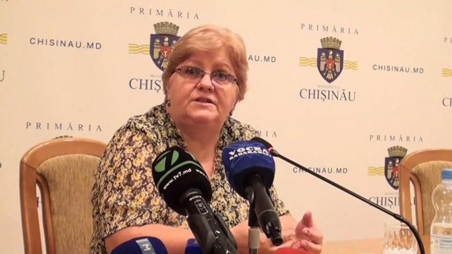 După ce a demisionat în urma scandalului alimentelor alterate, Tverdohleb este directoarea unui liceu