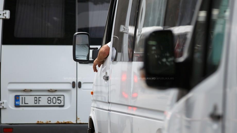 Infotrafic: Accident în Chișinău. De dimineață, se circulă cu dificultate pe mai multe străzi din Capitală