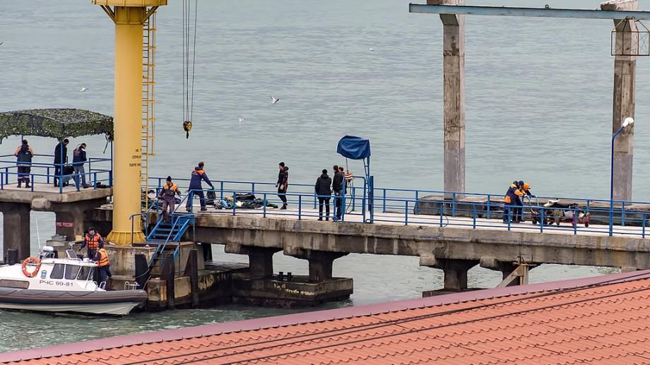 (foto) Cum au loc acțiunile de recuperare a corpurilor în urma accidentului de avion din Rusia