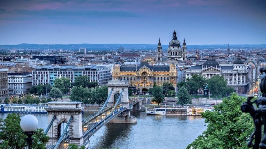 Întâlnește tineri din toată lumea la un forum internațional la Budapesta. Toate costurile sunt acoperite