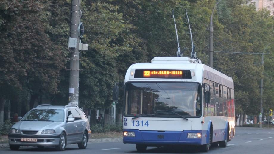 Pe parcursul nopții, troleibuzele de pe linia nr. 22 vor circula pe traseu modificat