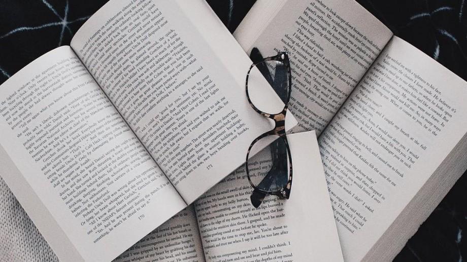 Astăzi cititor, mâine lider! Topul celor mai bune cărți din 2016 pe Goodreads