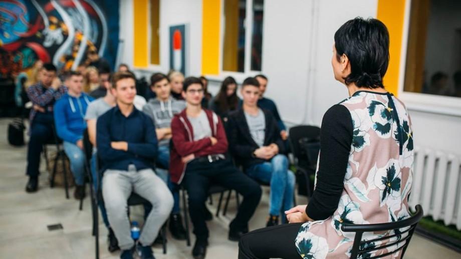Junior Initiative Leadership Program: Ce au aflat participanții de la Ionela Titirez și Cameron Manwaring