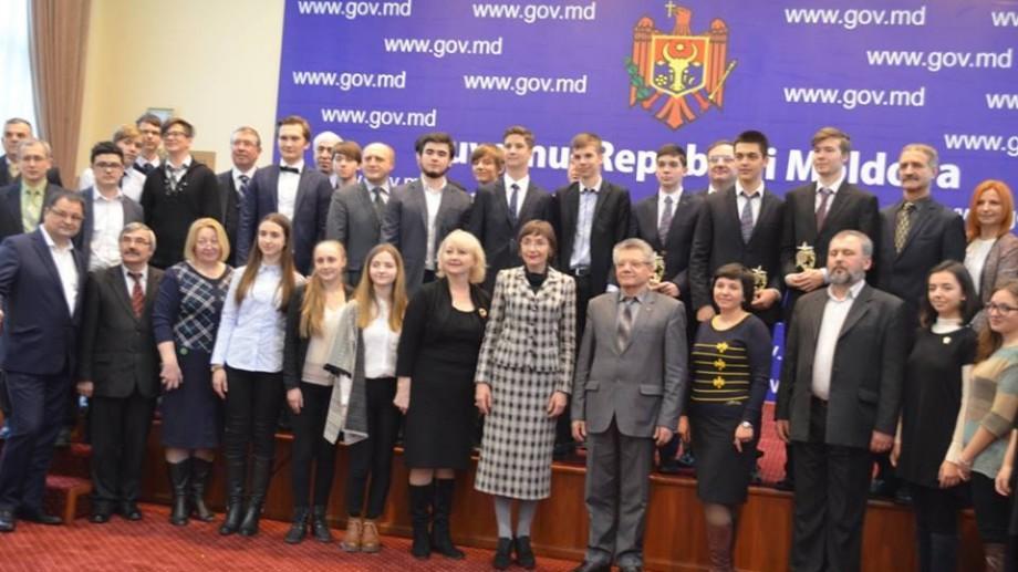 (foto) Gala Olimpicilor 2016: Cine sunt profesorii olimpicilor moldoveni