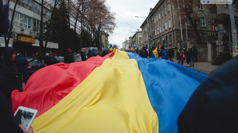 Cele mai românești mesaje pe care să le trimiți prietenilor tăi unioniști de 1 decembrie