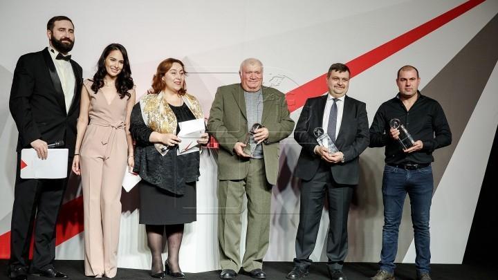 Cele mai de succes companii din ţară au obținut trofee la Gala Antreprenorilor