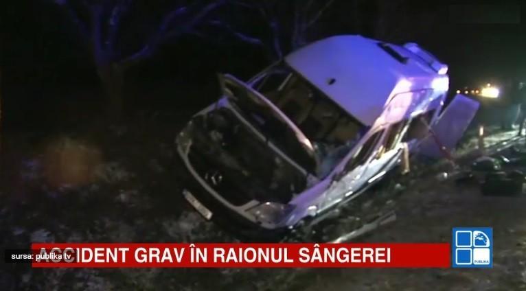 Accident grav cu implicarea unui microbuz și a unei mașini de gunoi: 2 persoane au decedat și 10 sunt rănite