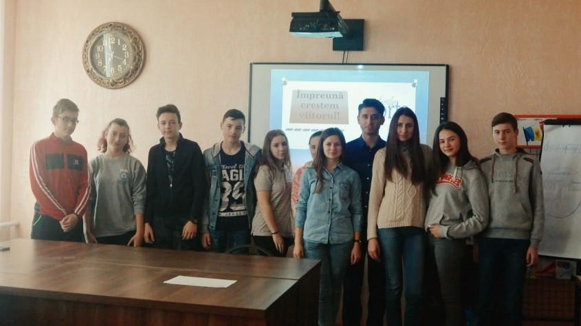 Un grup de elevi are nevoie de 400 euro pentru ca să participe la un schimb de orientare profesională în Timișoara