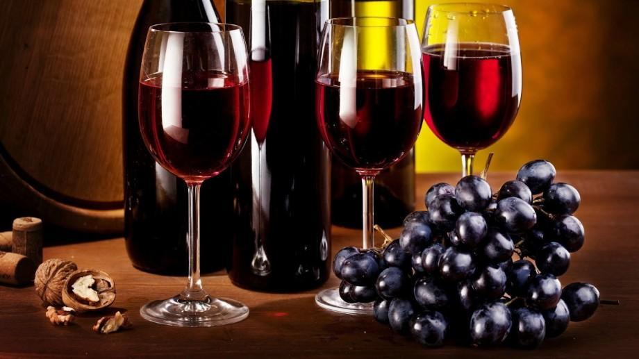 Vinul a trecut în categoria produselor alimentare și va putea fi procurat după ora 22.00