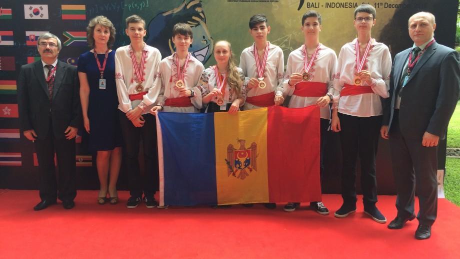 Șase elevi din Moldova au fost premiați la Olimpiada Internațională de Ştiinţe