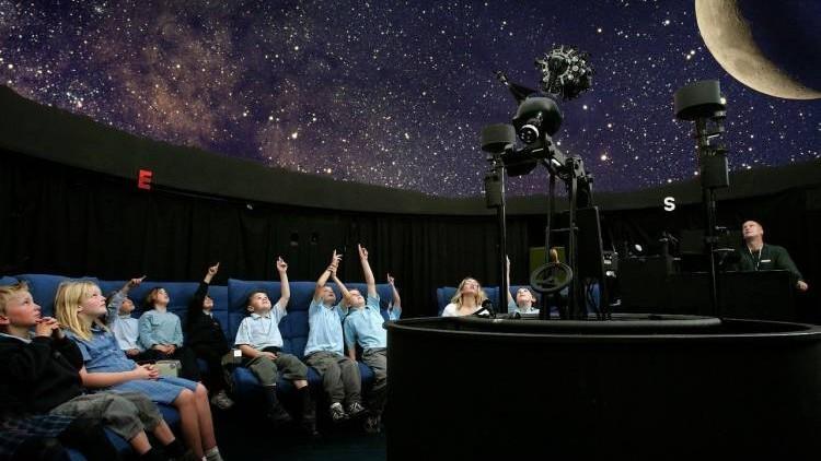 În incinta unui liceu din Cahul va fi deschis un planetariu. Lucrările de construcție deja au început