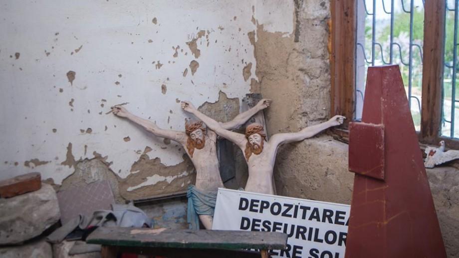 """(foto) """"În căutarea lui Dumnezeu"""" – o serie de fotografii din Moldova cu credința cea de toate zilele"""