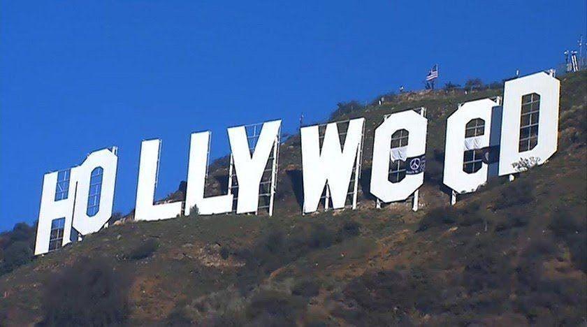 (foto) Hollywood transformat în Hollyweed. Celebrele litere din Los Angeles, ținta unei farse în noaptea dintre ani