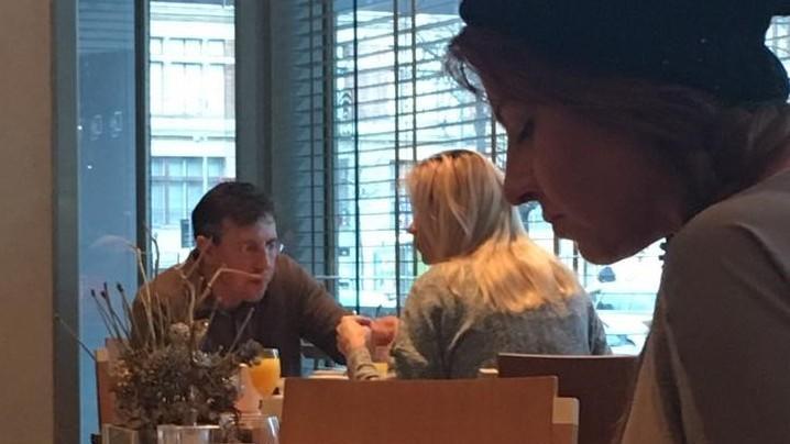 (foto) Dorin Chirtoacă a fost surprins cu o blondă într-un hotel de lux din Viena