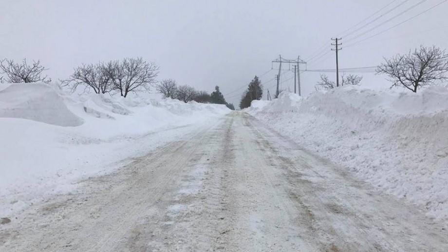 (foto, video) Stratul de zăpadă atinge și 3 metri înălțime la Căușeni. Cum sunt deszăpezite traseele