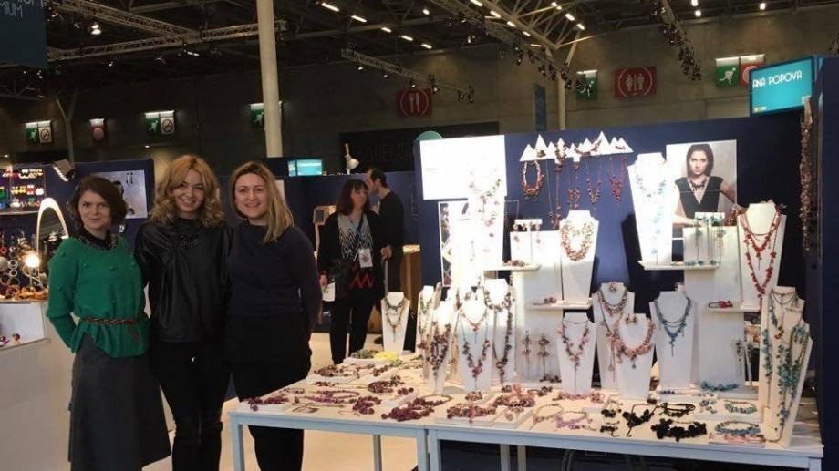 (foto) Trei designeri autohtoni de bijuterii hand-made și-au prezentat capodoperele la Paris