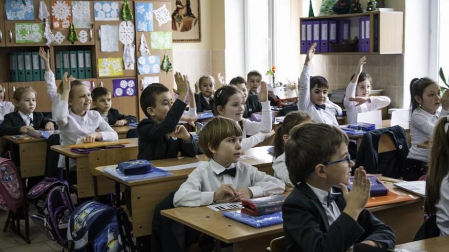 Blocuri sanitare ce necesită reparaţii şi număr prea mare de copii. Ce nereguli s-au depistat în școli și grădinițe