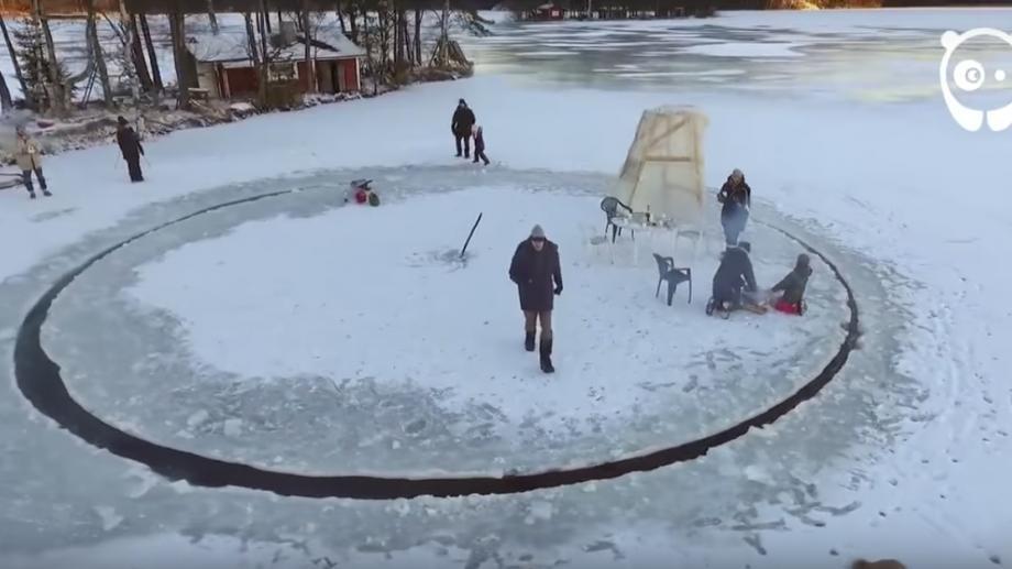 (video) Au creat un carusel pe gheață. Vezi cum se distrează finlandezii în timpul iernii