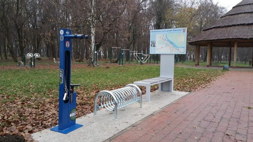 La Valea Morilor ar putea fi instalate stații pentru parcarea și reparația bicicletelor. Susține ideea printr-o donație