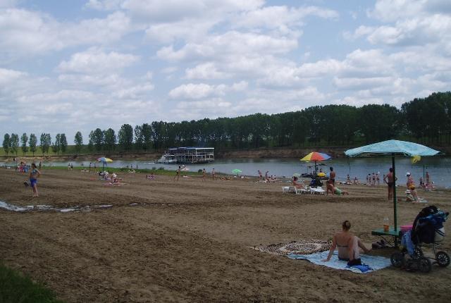 Spend-A-Pleasant-Time-At-Nistru-Beach