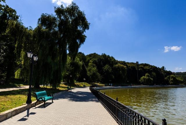 Swim-At-Chisinau-Lake (1)