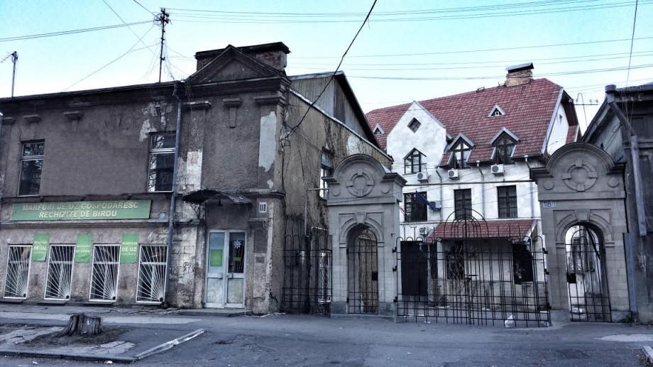(foto) Descoperiri urbane: Dubla identitate a casei de pe Columna 118 și transformarea în hidoșenii