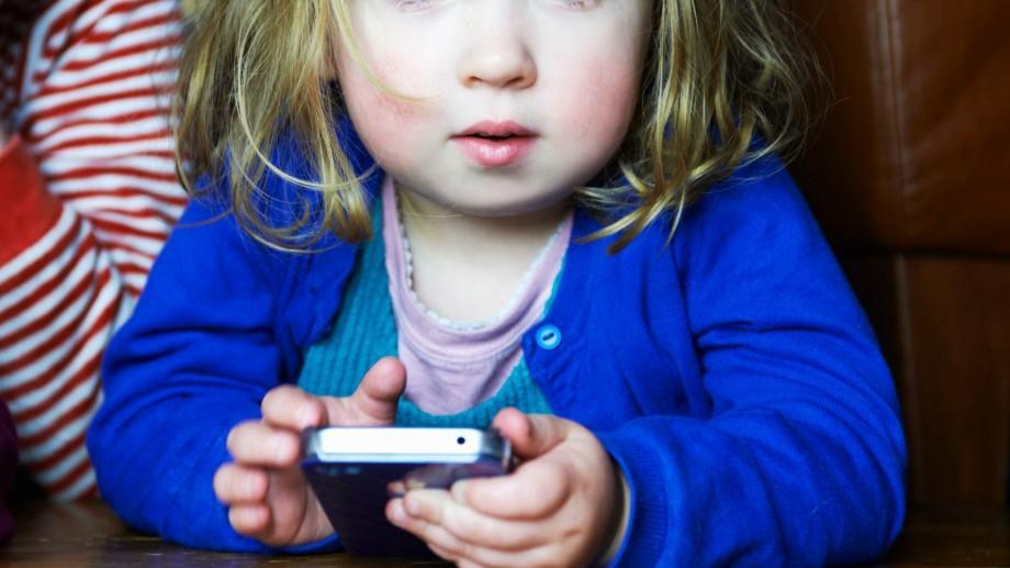 """Serviciul de asistență """"Telefonul Copilului"""": 18 mii de apeluri primite de la lansare"""